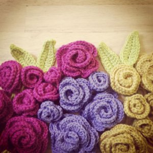 colorful-crochet-roses